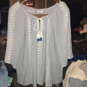 Gorgeous embroidered peasant top. Like new
